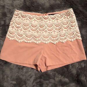 Ark & Co. salmon crochet Shorts size small